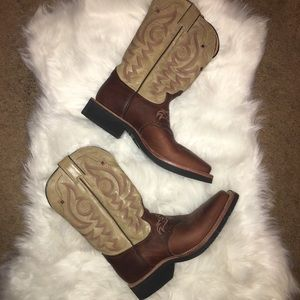 Justin Boots Size 8.5